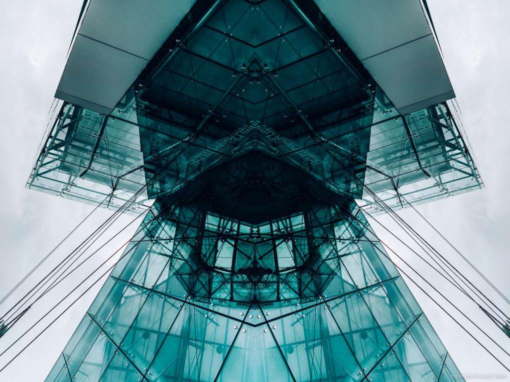Szabó Viktor fotós által készített manipulált épületfotó. A fotó a Future breath fotósorozat tagja.