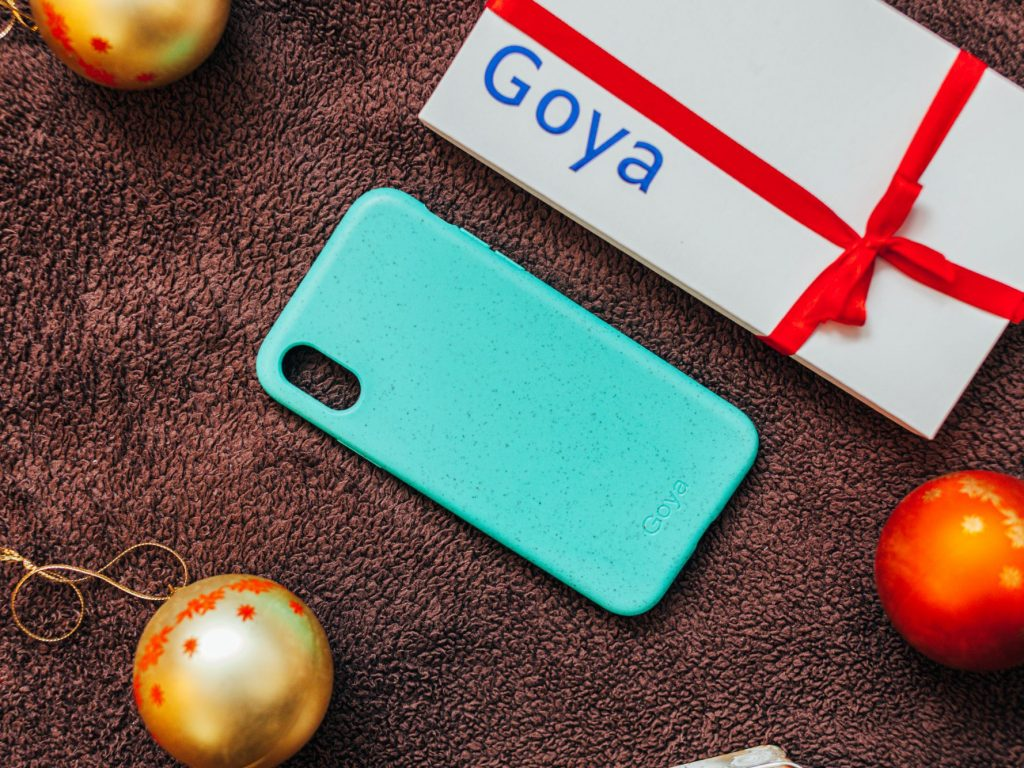 Goya: lebomló telefontok - termékfotók: Szabó Viktor